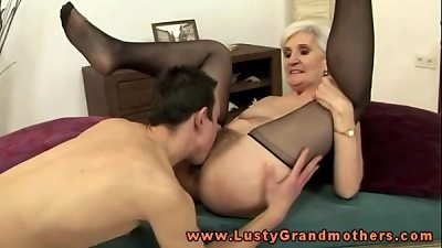blond mature grandmother cunt eating